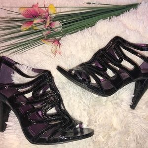 Kenneth Cole Reaction Patent Leather High Heel